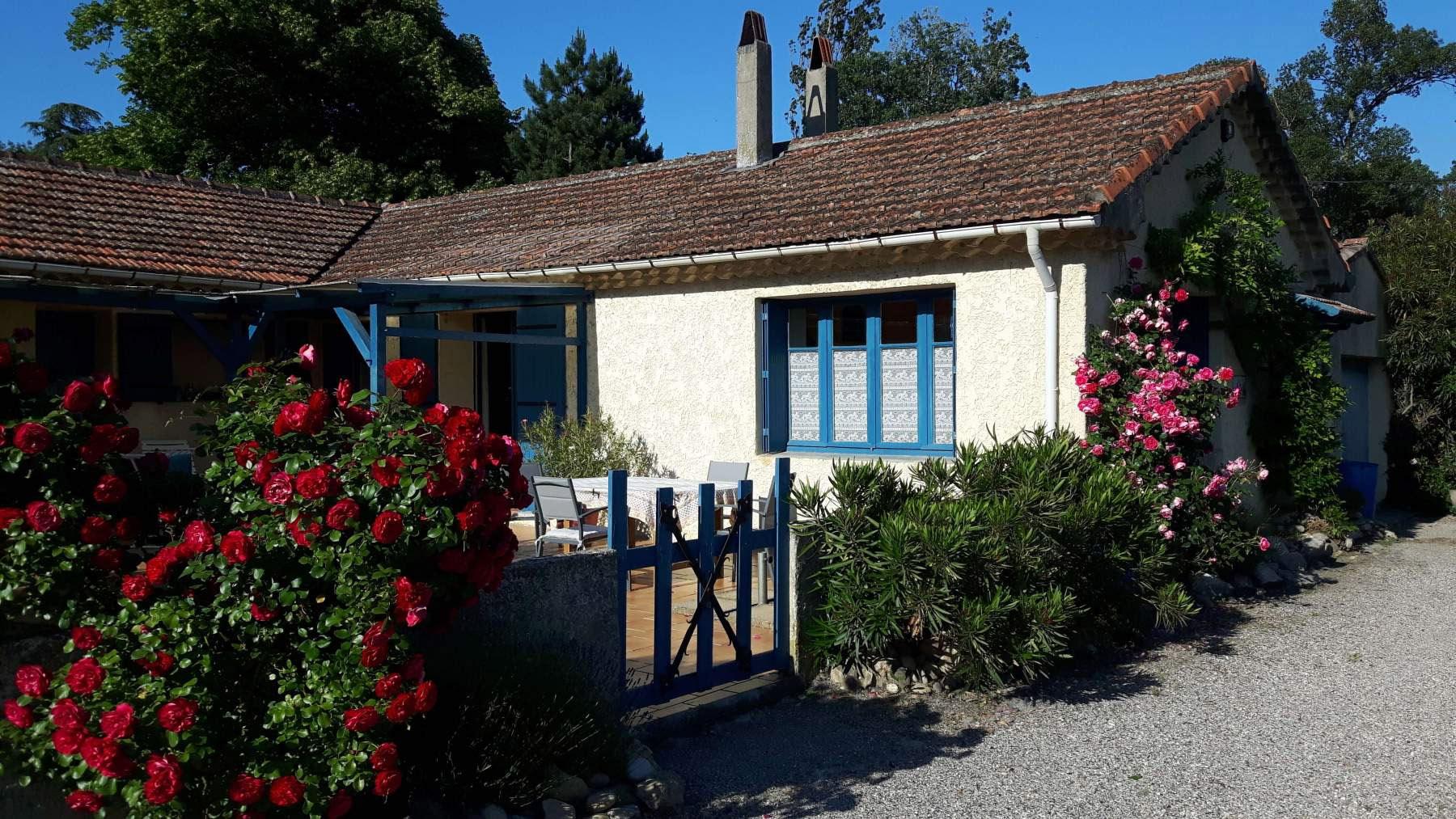 20180517_Sicht auf Terrasse & Haus 1800x1013px